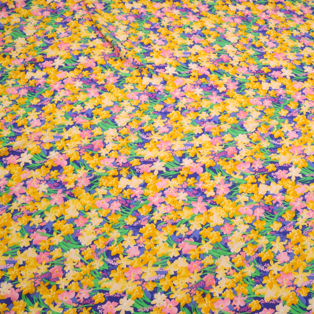 Crep elastic cu bumbac imprimat cu motive florale