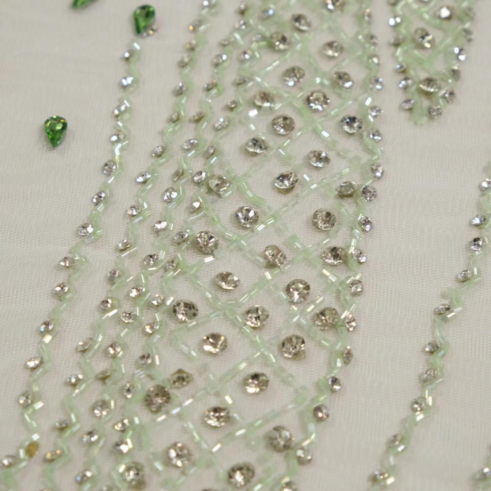 Dantela accesorizata cu cristale Vernil
