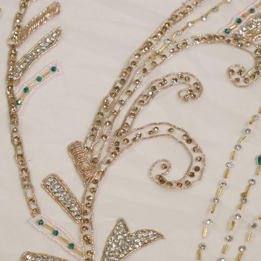 Dantela accesorizata manual cu pietre Emerald Gold