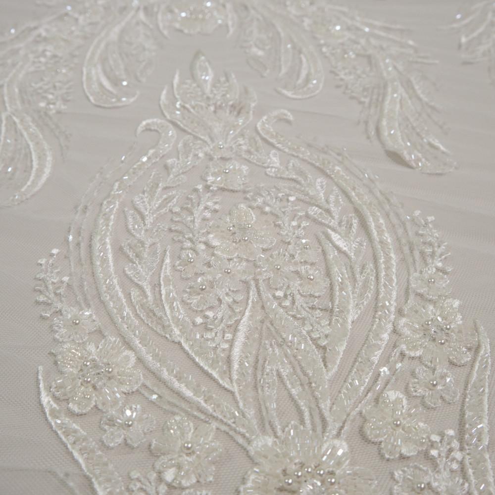 Dantela de mireasa ivoire cu perle si paiete