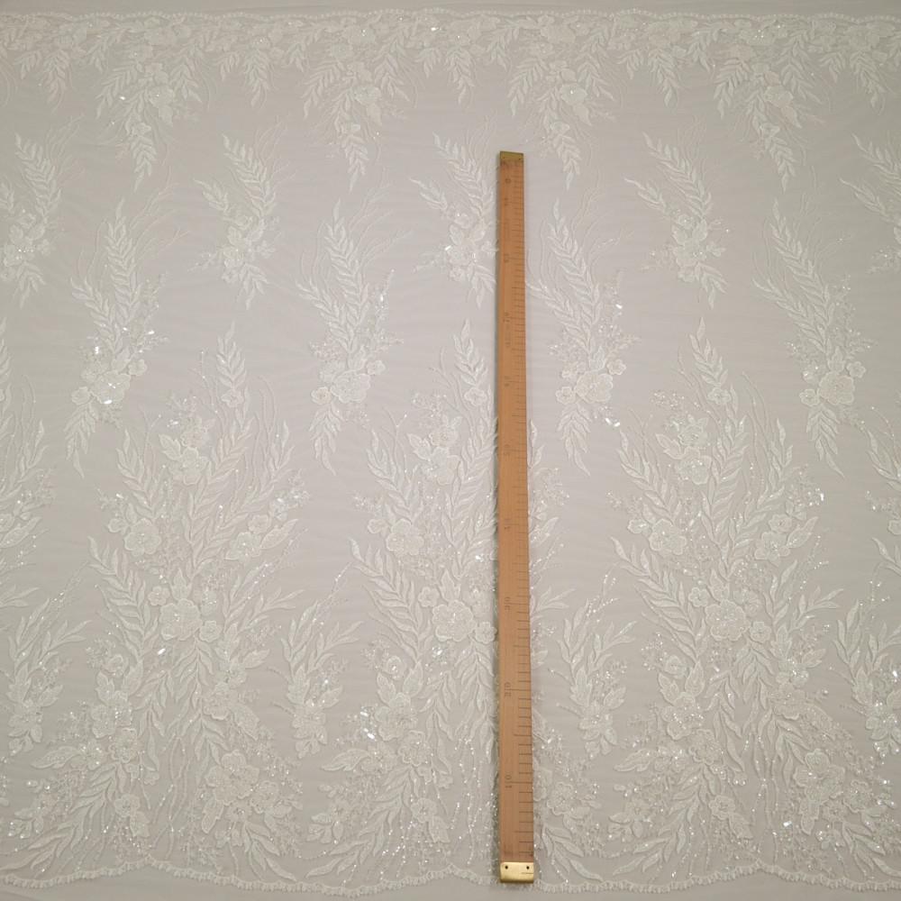 Dantela de mireasa ivoire cu perle, margelute si cristale