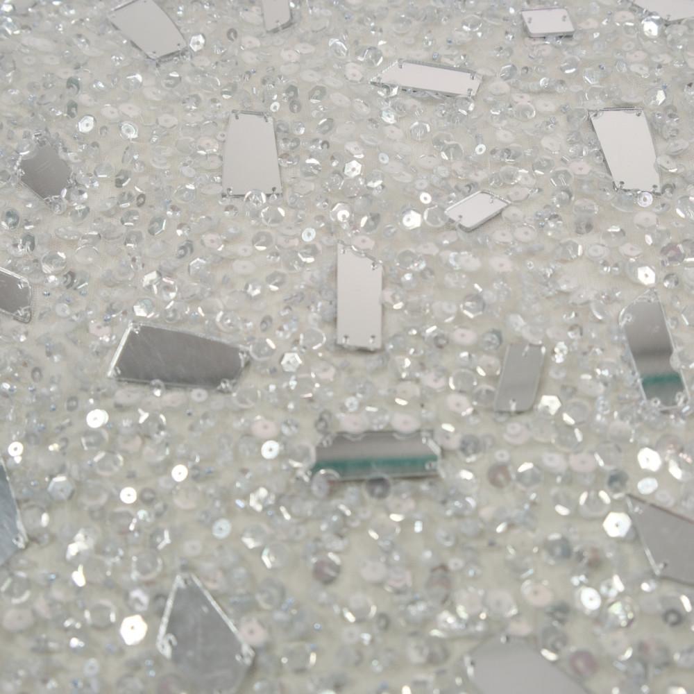 Broderie accesorizata cu paiete si oglinzi Argintii