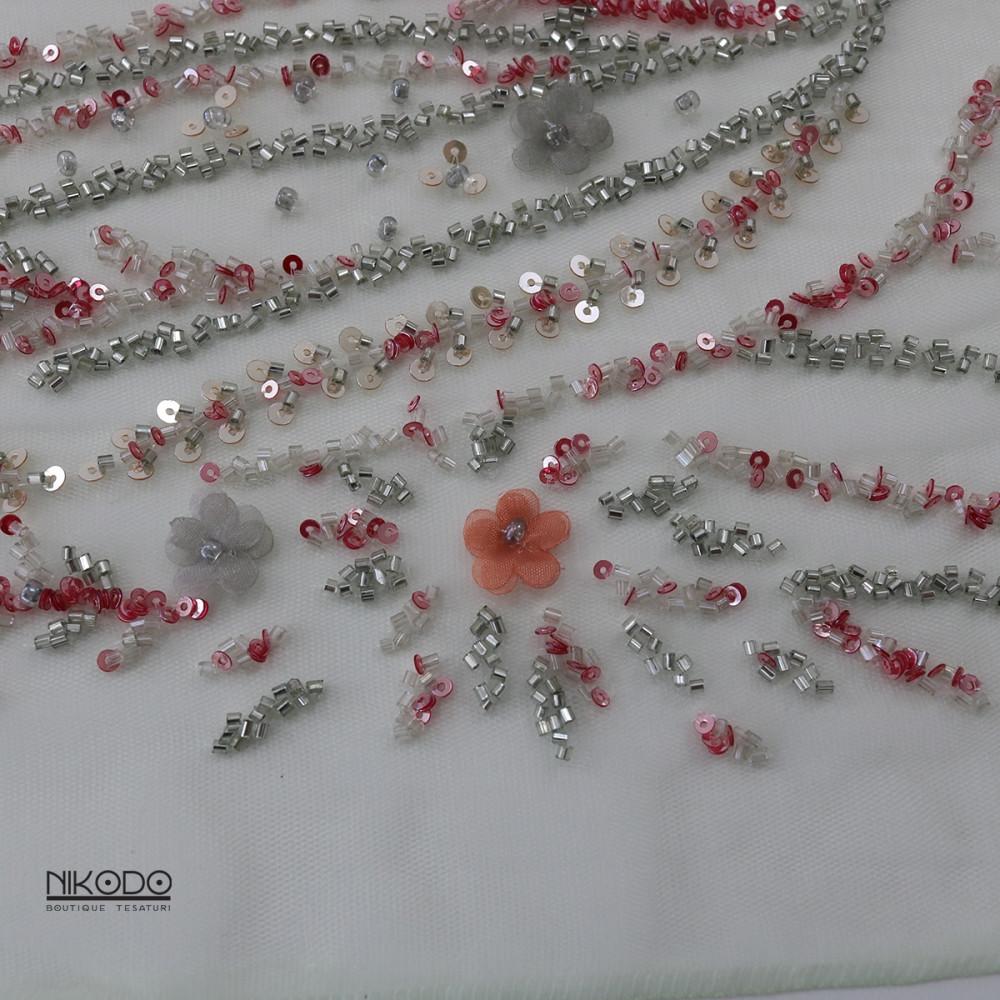 Dantela accesorizata Coral