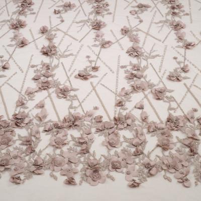 Dantela cu aplicatii din flori 3D Greige