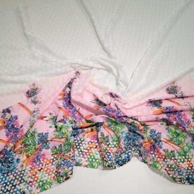 Imitatie de bumbac imprimata cu motive florale