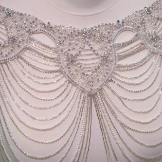 Colier accesorizat manual cu margelute si cristale Ivoire - Argintiu
