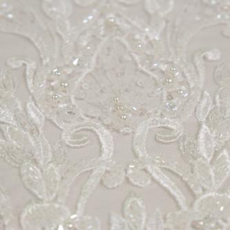 Dantela de mireasa ivoire cu perle, paiete si cristale