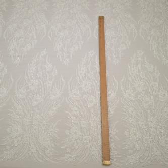 Dantela de mireasa ivoire cu perle si margelute